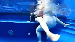HUUUGE Underwater Titties